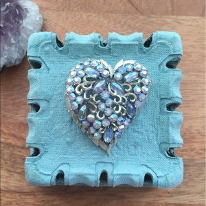Jeweled jem heart brooch pin vintage